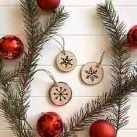 Wood Slice Christmas Ornament Snowflakes