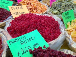 Dried Fruit 4 Sale - Vicenza, IT   ©Tom Palladio Images