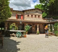 The courtyard - Ristorante alla Torre - San Zenone degli Ezzelini (TV), Italy | ©Tom Palladio Images