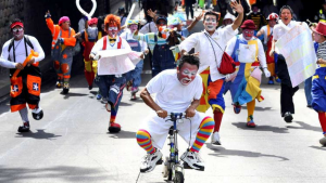 "CLOWN UPRISING: CLOWNS RALLY TO PROTEST ""IT"""