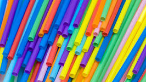 Report: California Dem wants to fine waiters for handing out plastic straws