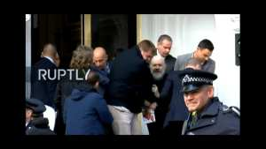 WATCH! Assange arrested by British police, expected to be extradited to US