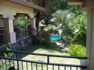 There were bungalows below with beautifully landscaped grounds, and a lovely swimming pool. This would be a nice place to stay for a while and relax.