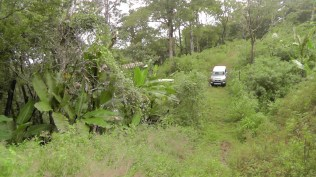 We go as far as the four wheel drive can make it, which is almost to the site of the casita which will be built to live in while the main house is being built.