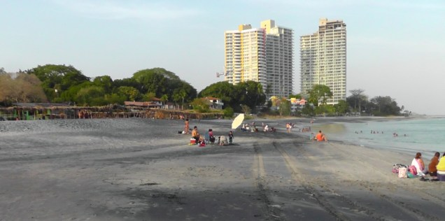 There were a lot of locals having fun at the public beach.