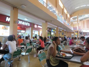 You will find lots of familiar fast food in the food court.