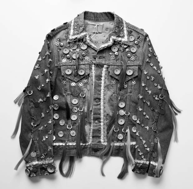 Hybrid Des_Levis Trucker jacket #138_Aug 7th_©Henrik Kam 2013_IMG_5373gray