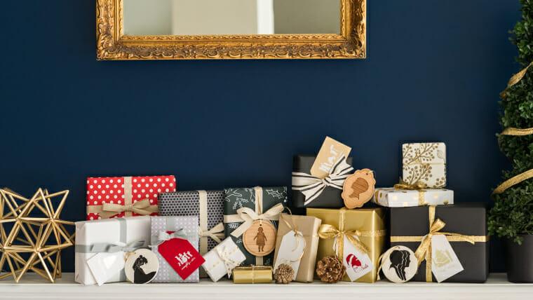 Mantel-Display-Gift-Tags