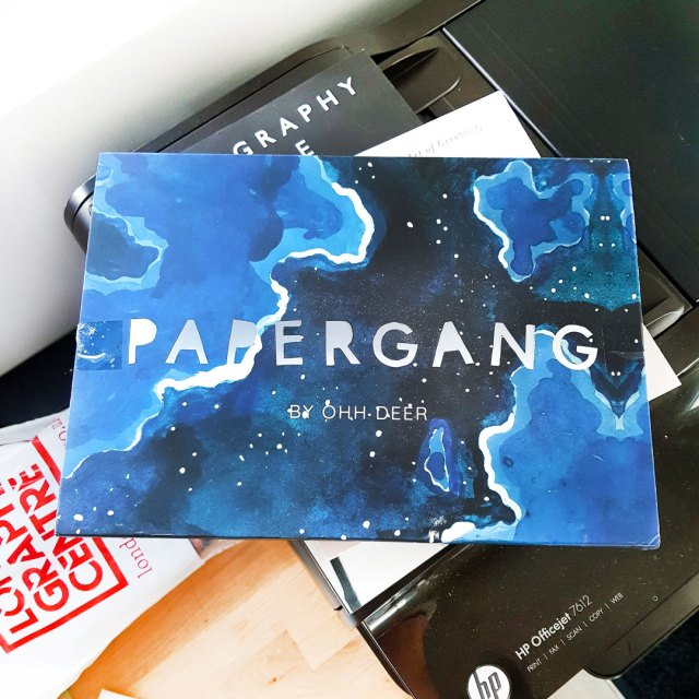 papergang december stationery box