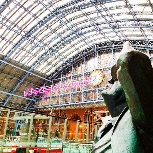 st pancreas station in london