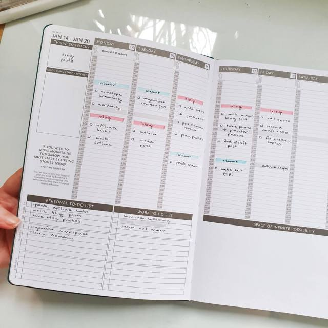 Example of a weekly spread in the passion planner.