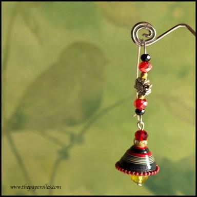 hoop_earring_black_red