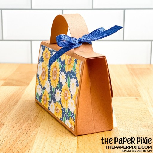 This is a handmade flowers for every season clutch craft project created by the Paper Pixie using Stampin' Up! supplies.