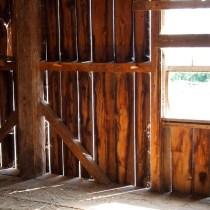 Kelly Farm barn light