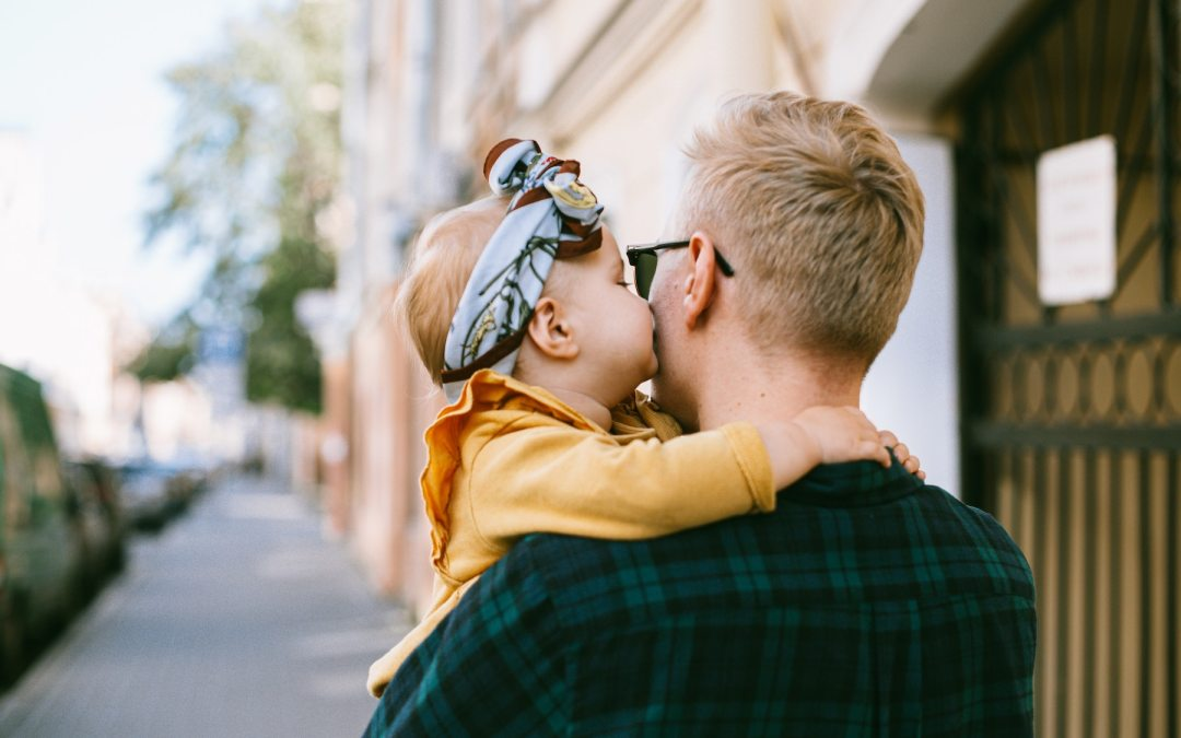 How New Dads Can Foster a Healthy Image of Beauty for Their Daughters