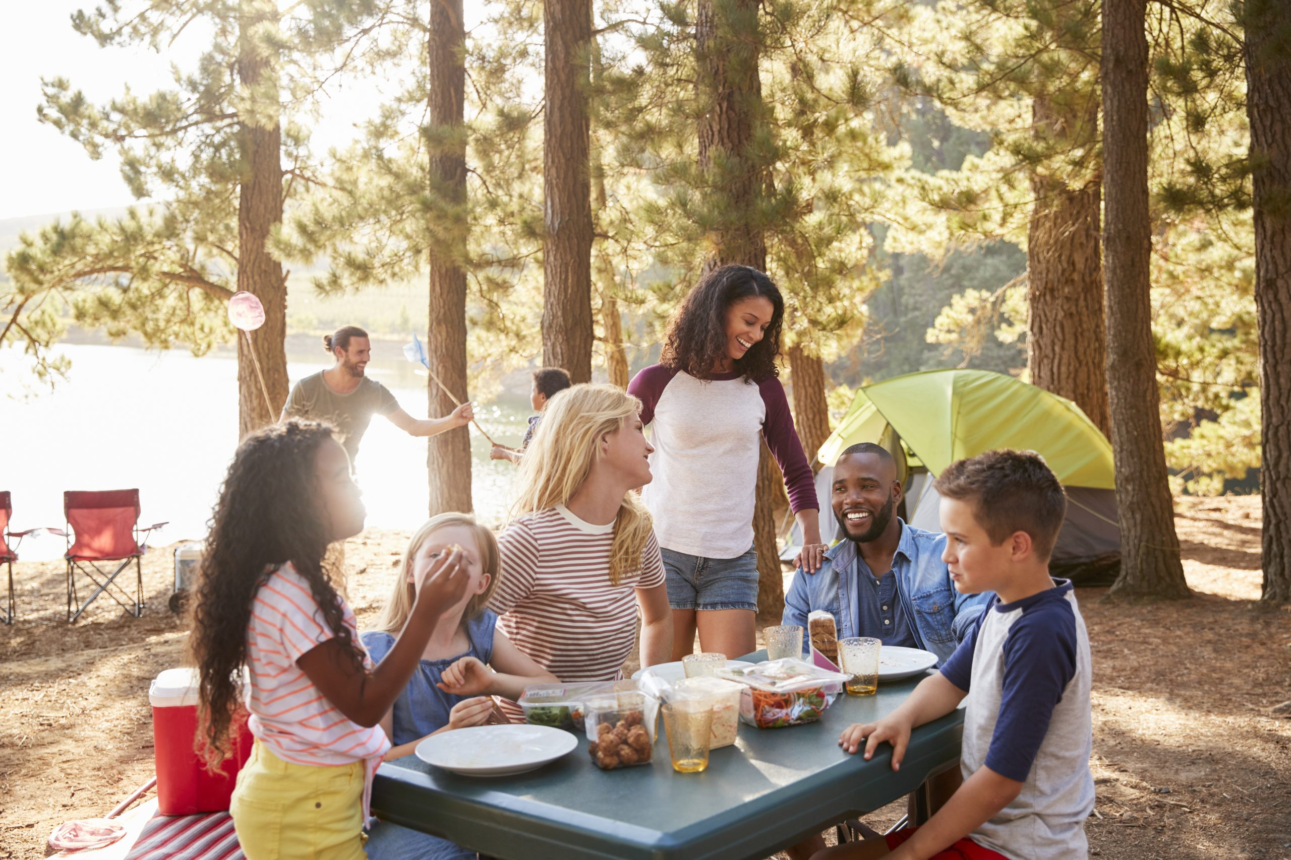 5 Ways to Connect With Other Parents This Summer | Parent Cue Blog