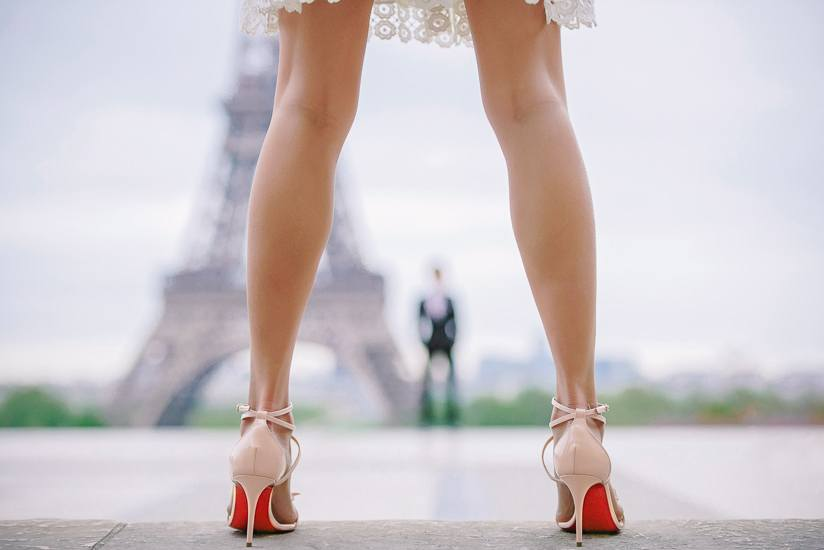 Best couple photography 2017 - The Paris Photographer - Red soles and Eiffel Tower, attractive legs