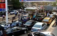 Queue Returns to Filling Station as Tanker Drivers Begin Strike