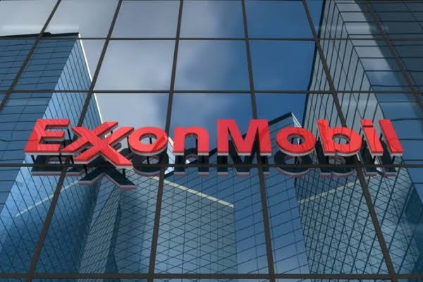 Exxon Mobil, Chevron Suffer Loss, Blame COVID-19