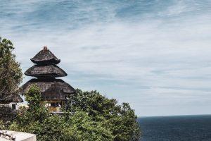 uluwatu temple bali cliffs