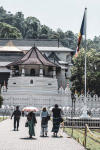 temple of the tooth kandy sri lanka