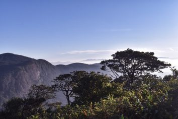 adams peak sri lanka sunrise hike