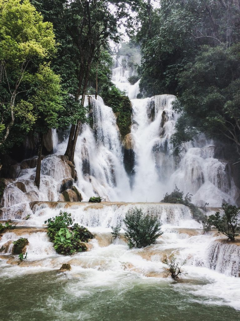 is laos worth visiting