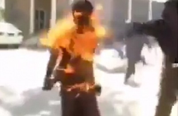Mobile-phone-put-man-on-fire-in-Pakistan
