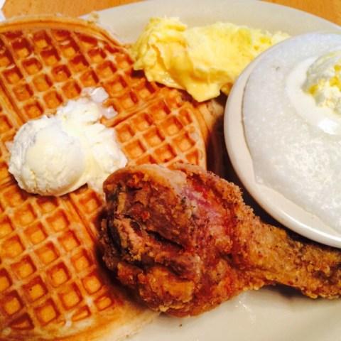lolos-chicken-and-waffles-arizona