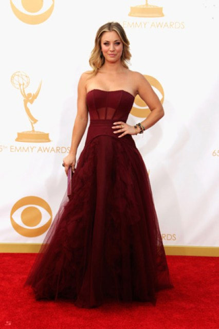 2013-emmy-awards-red-carpet-kaley-cuoco-patranila-project