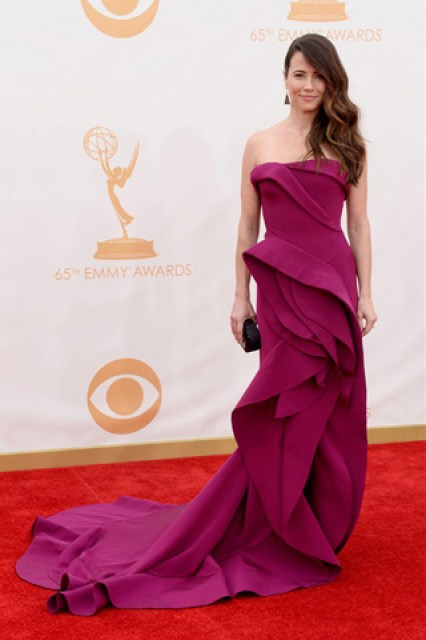 2013-emmy-awards-red-carpet-linda-cardelini-patranila-project