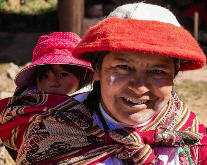 These ladies weave to earn money to ensure equality between men and women in their village.  #weaving #adventure #jetlagawesomeness #peru #markets #equality #mama #workingmoms #travel #southamerica