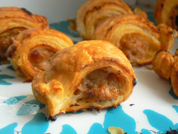 Easy Peasy Dairyfree Pop-in Sausage Rolls with Onion Chutney (#dairyfree #eggfree #glutenfree) These Easy Peasy Dairyfree Pop-in Sausage Rolls with Onion Chutneyare called Pop-in Sausage Rolls for two reasons, mainly because if you pop in to ours round about Christmas time you are almost guaranteed to be fed a version of these! Usually either with onion chutney, cranberry sauce or apple sauce in depending on what we have in the fridge! These are free from dairy, egg, soya, nuts & sesame and the filling is gluten free so just swap the puff pastry for a gluten free option!