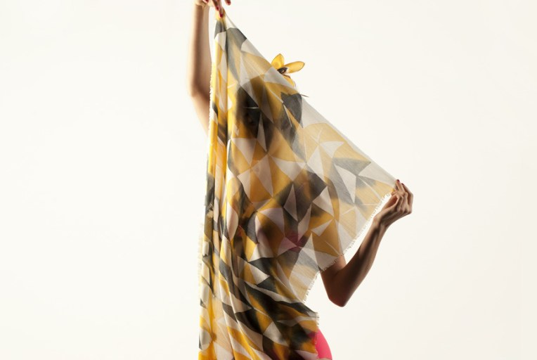 bonana-van-mil-silk