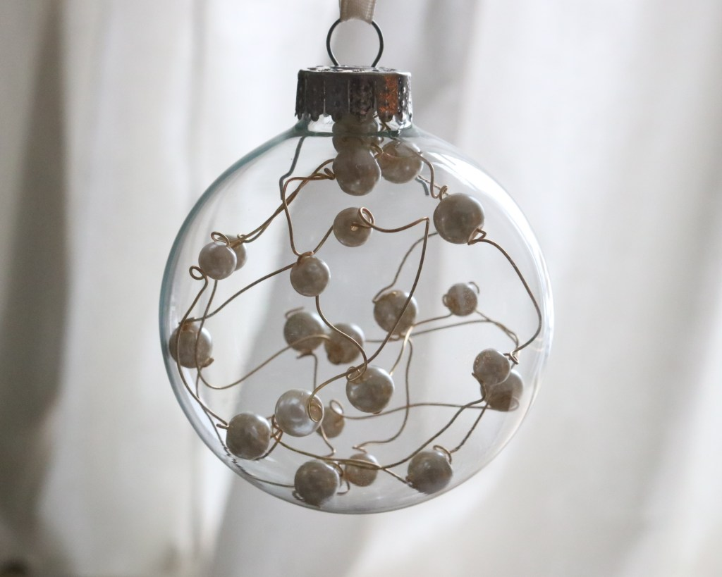 DIY Pearl Wire Ornament