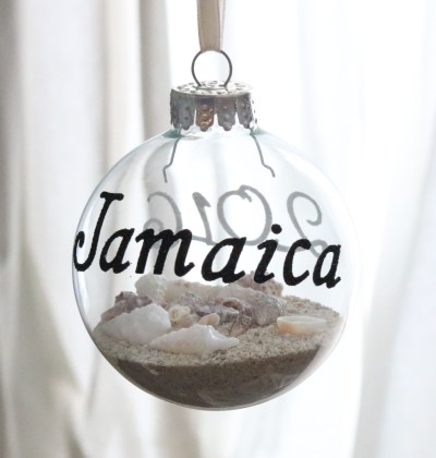 11 Easy DIY Christmas Ornaments