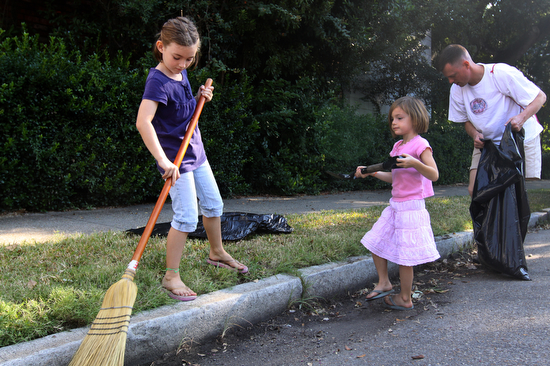 pick up trash for earth day