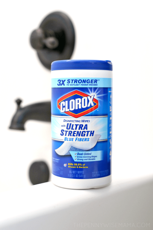 Get Your Bathtub Sparkly Clean with Clorox Ultra Strength Wipes