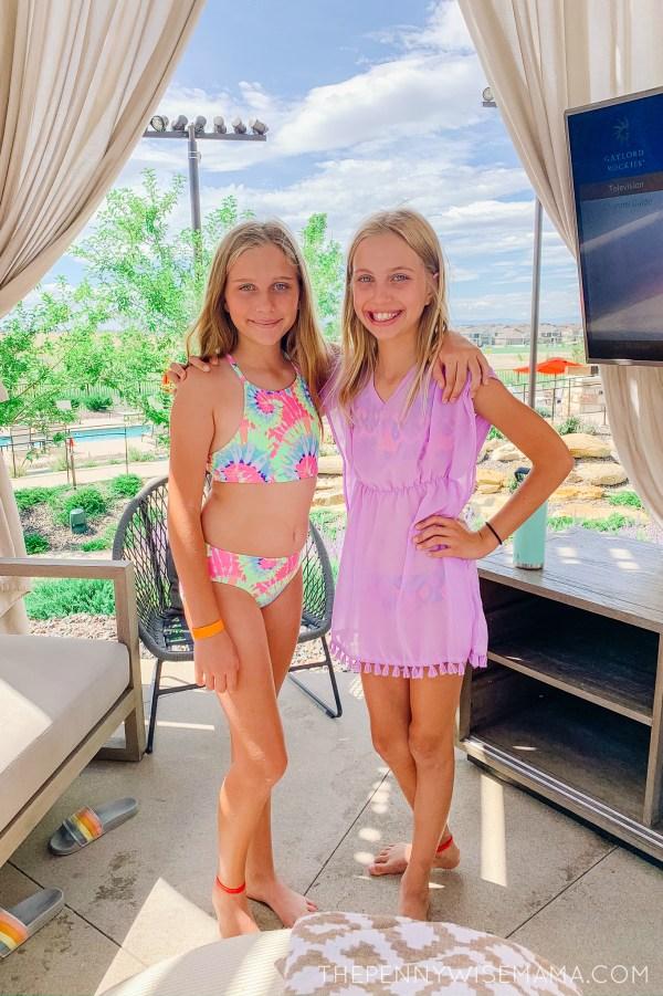 Gaylord Rockies Poolside Cabana