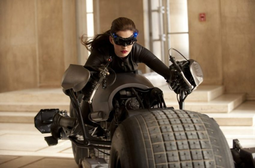 First Look: Anne Hathaway as Catwoman