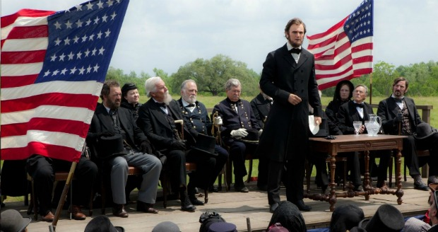 There Will Be Darkness Mr President, New Trailer For ABRAHAM LINCON VAMPIRE HUNTER