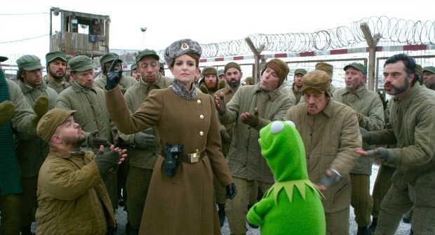 muppets-most-wanted-kermit-tina-fey