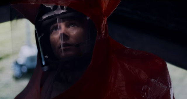 Amy Adams Makes First Contact In Arrival First Trailers