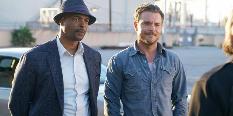 Win Lethal Weapon : Complete First Season On DVD