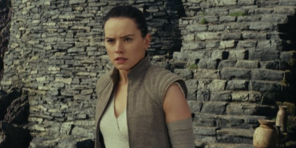 Go Behind The Scenes In New Star Wars: The Last Jedi Featurette