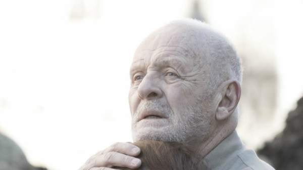 First Look At Anthony Hopkins As King Lear