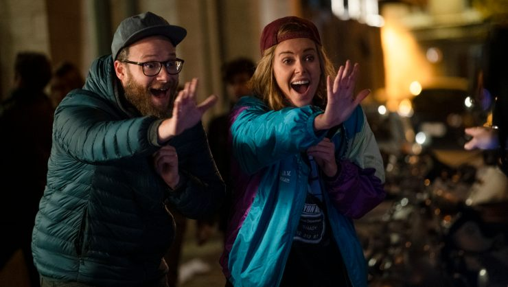 In Long SHot Trailer Seth Rogen & Charlize Theron Are An Unlikely Love Match