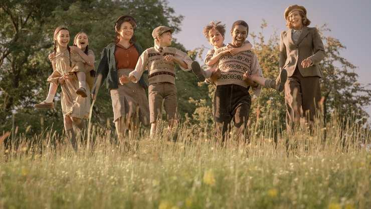 All Aboard For First The Railway Children Return UK Trailer