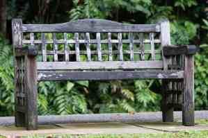 garden furniture cleaner
