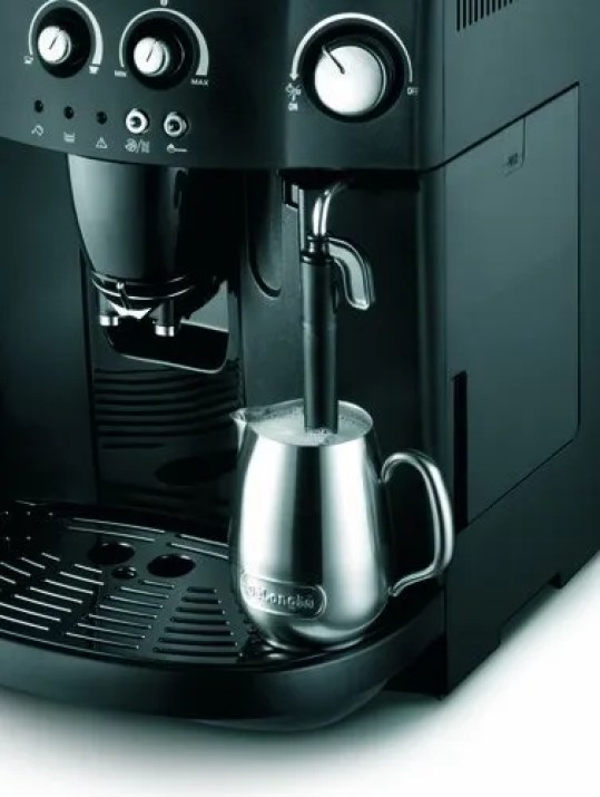 De'Longhi Esam4000.b Magnifica Bean to Cup Coffee Machine